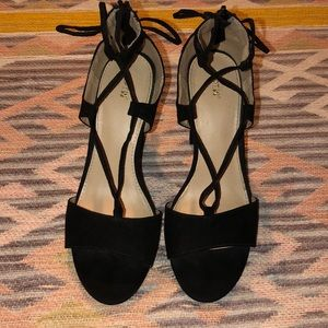 Black Apt9 Heels